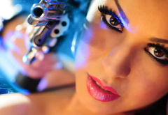 gun, eyes, lips